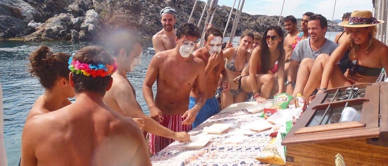 fiestas en barco Cadaques